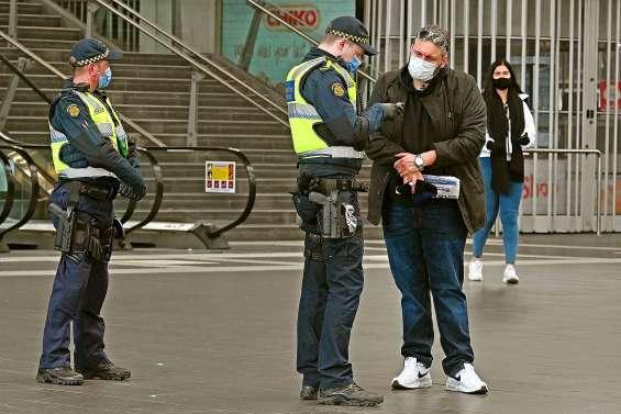 Melbourne entame sa phase de confinement le plus strict