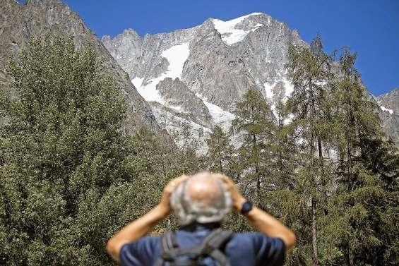 Un glacier du Mont-Blanc  sur le point de s'effondrer
