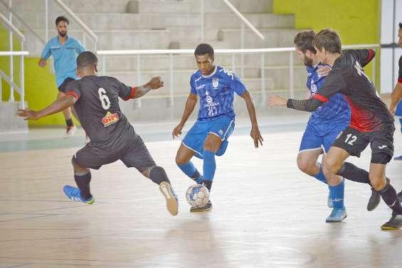 Le FC Ferrand surprend l'Olympique et l'ASPTT assure face à Ne Drehu