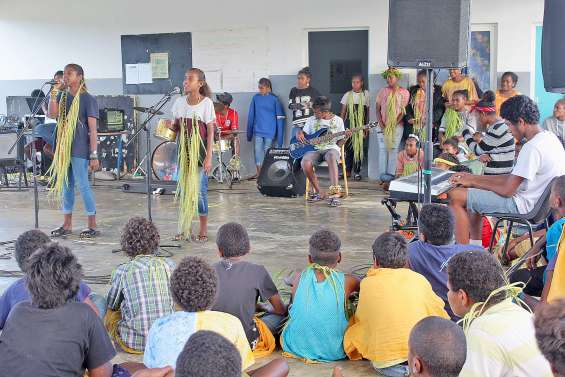 Le collège de Hnaizianu fête la musique