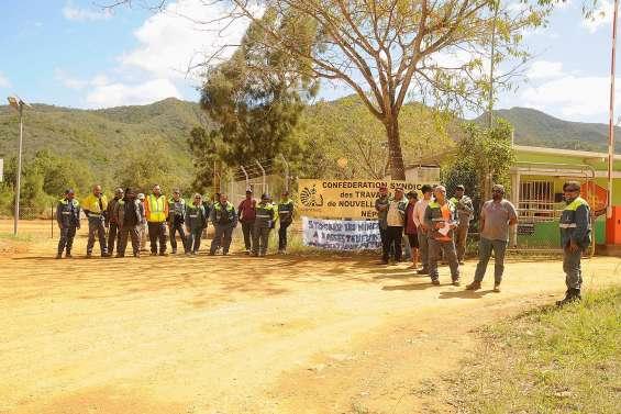 Mouvement de grève sur le site de Népoui