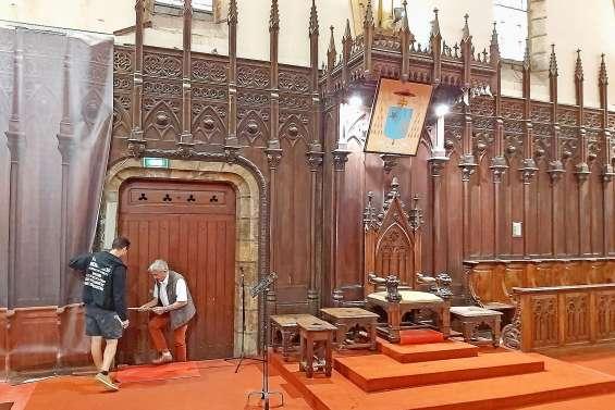Les boiseries du chœur de la cathédrale refaites à neuf