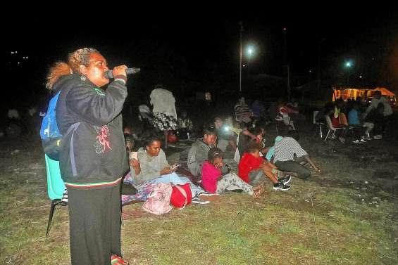 Les jeunes donnent de la voix à la soirée karaoké