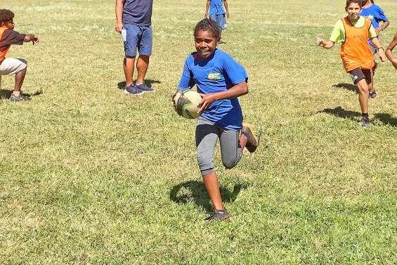 Le Touch rugby séduit dans les collèges