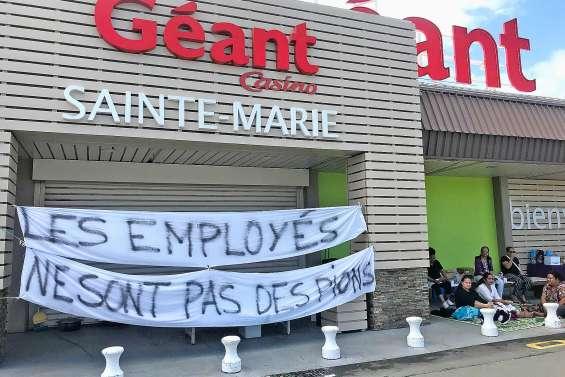 Blocage maintenu à Géant Sainte-Marie