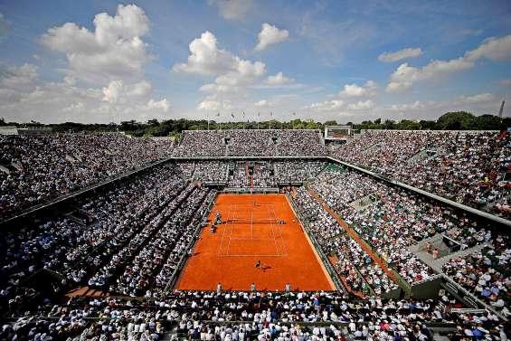 Roland-Garros rattrapé par la réalité du Covid-19