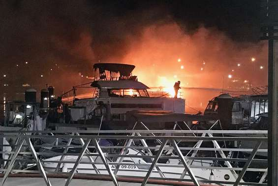 Trois catamarans ravagés par les flammes à Port-Moselle