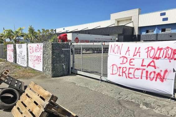 Fin du blocage des entrepôts du groupe Hayot à Magenta
