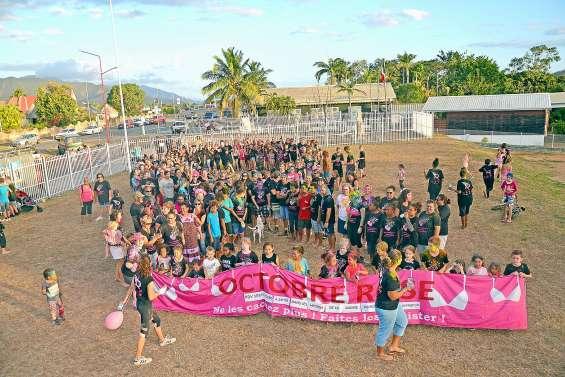 Une marche colorée de 300 personnes