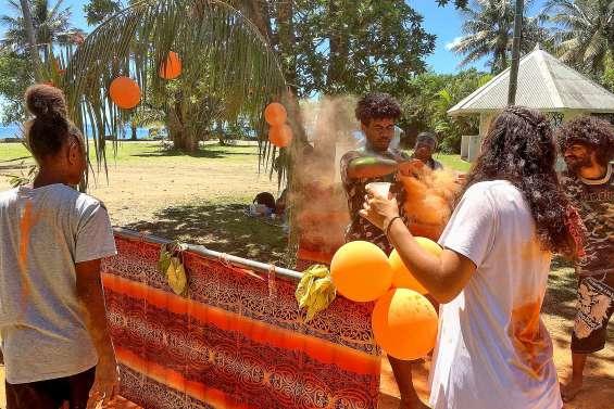 Le lycée Antoine-Kela a organisé une Color Race entre le stade et la plage de Tiéti