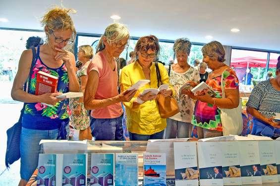 Carton plein pour le Salon international du livre océanien