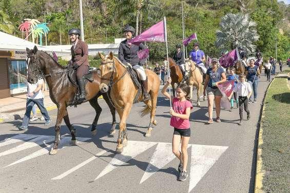 Un défilé de belles montures lance la Semaine du cheval