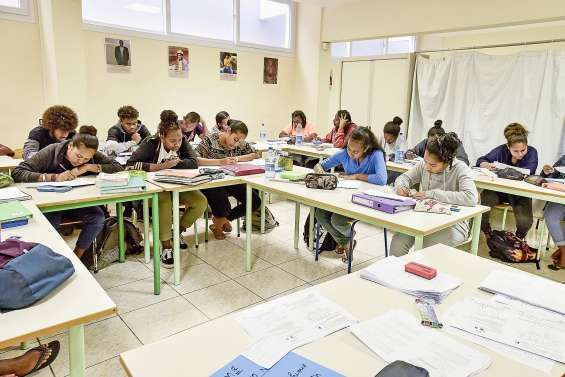 Le campus des îles prépare les futurs bacheliers pendant les vacances