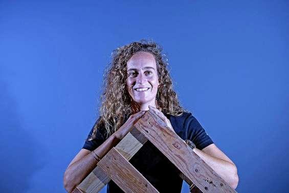 Justine Dupont, une tornade dans la tempête à Nazaré