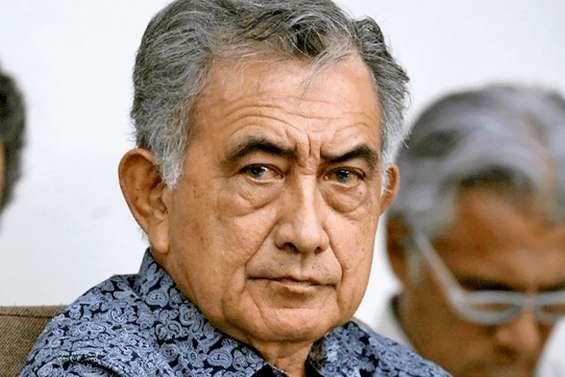 Oscar Temaru au tribunal de Nouméa