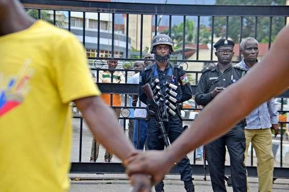 Une manifestation dispersée par des tirs à Lagos