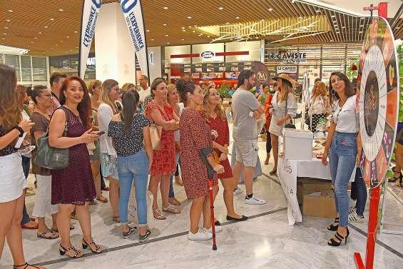 Forte affluence  au Dumbéa Mall pour  la soirée Dolce Vita