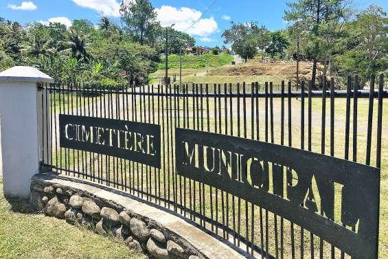 La Toussaint dans les cimetières communaux du Grand Nouméa