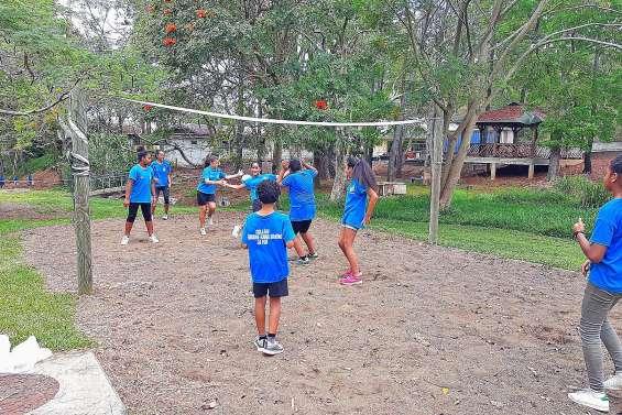 « Fourchettes et baskets » à l'internat provincial de La Foa