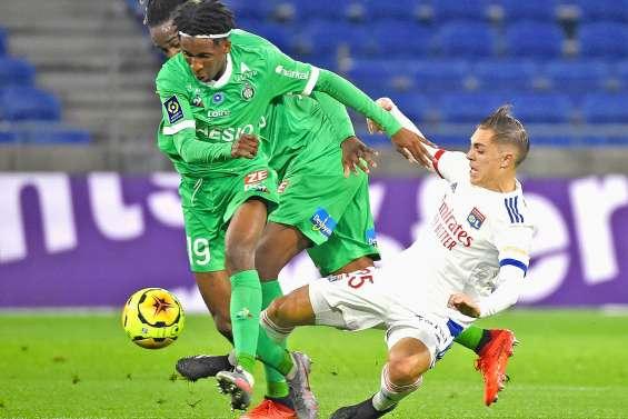 Lyon renverse Saint-Etienne