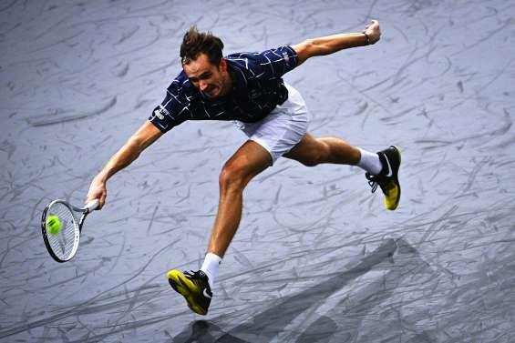 Medvedev double Federer et Humbert rattrape Paire