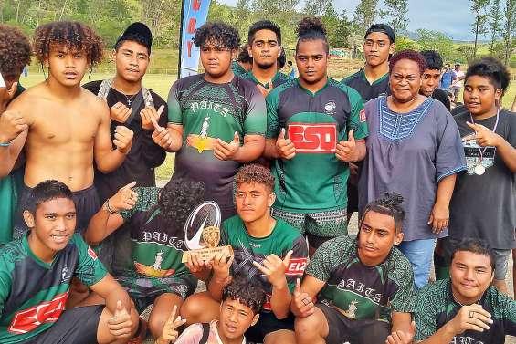 Cinq cents jeunes rugbymen en fête au stade