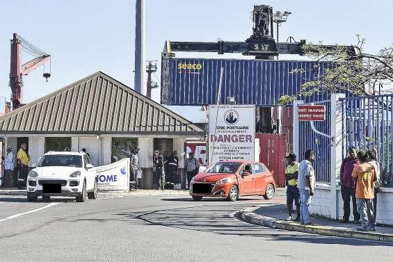 Le Port autonome toujours bloqué, les transporteurs s'impatientent