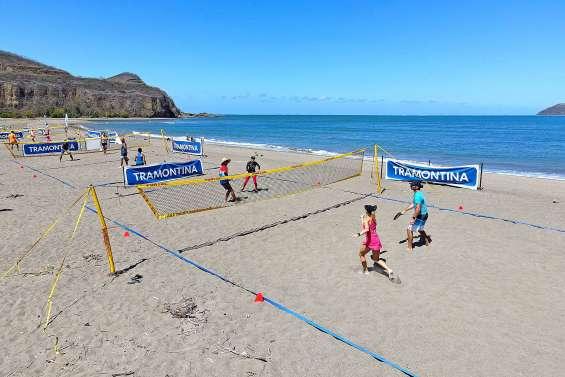 Le beach-tennis séduit de plus en plus d'adeptes