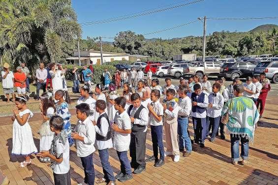 Trente-trois enfants célèbrent leur première communion