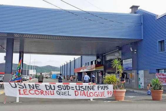 Le collectif « Usine du Sud = usine pays »  a mené plusieurs actions de blocage