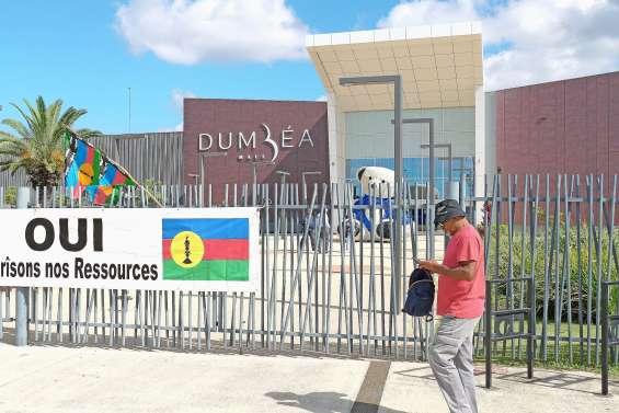 Dumbéa Mall et Géant bloqués hier matin