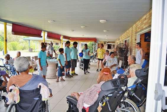 Des élèves de Segpa échangent avec les seniors de La Broussarde