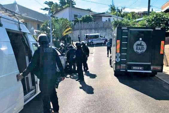 Un homme armé retranché chez lui à Nouméa