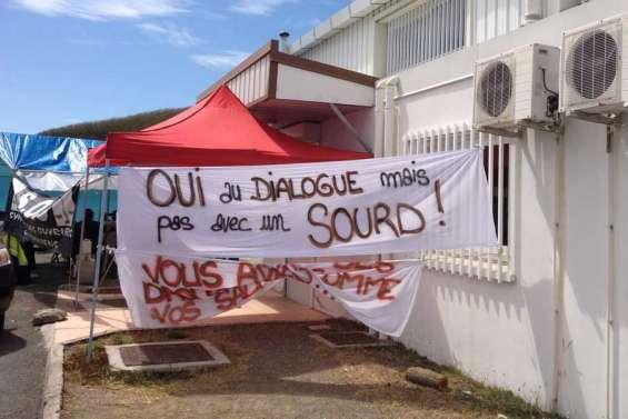 (MAJ) Blocage de l'usine La Française