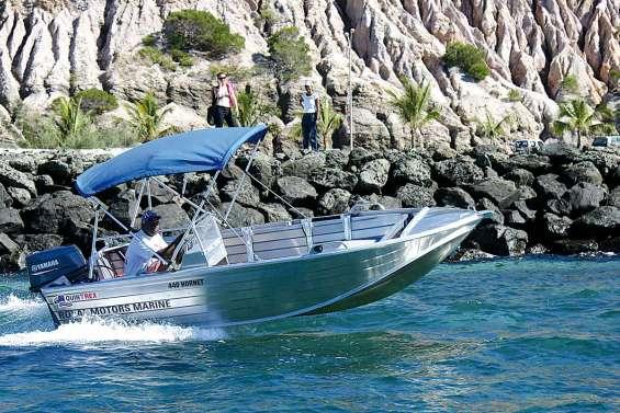 Un canot suréquipé pour la pêche côtière