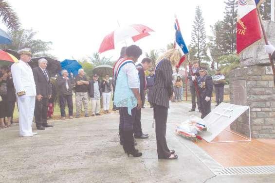 Commémoration sous la pluie