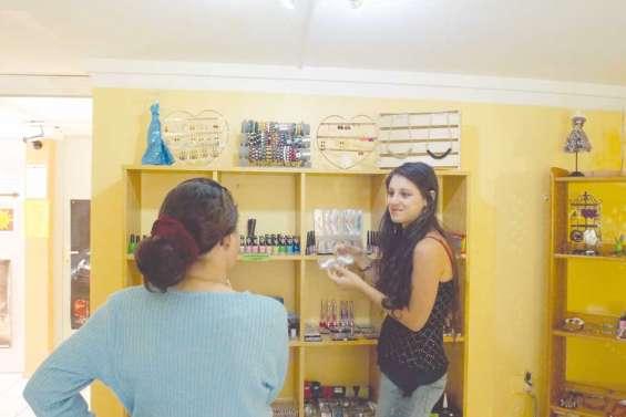 Bijoux, cosmétiques et vêtements bio