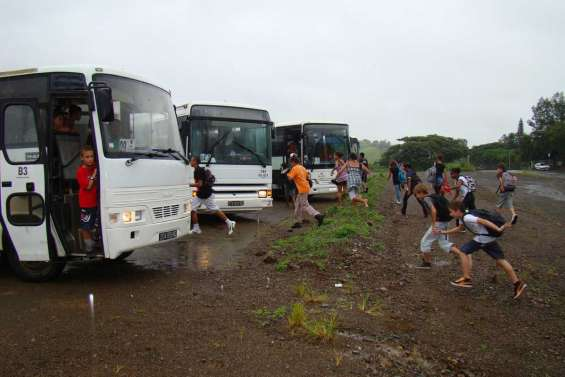 Les élèves rentrent  au sec