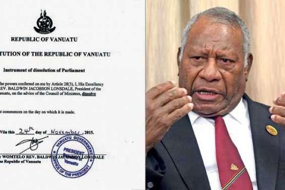 Le président Lonsdale  a dissous le Parlement