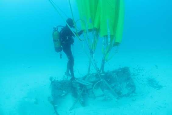 Six tonnes sous la mer