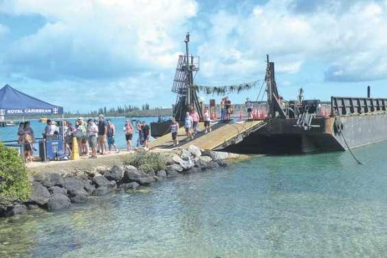 Une nouvelle barge pour croisiéristes qui fait débat