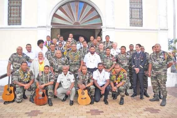 La visite pleine d'émotion du bataillon du Pacifique à La Foa