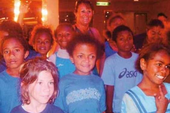 Les petits Kunié à bord du Pacific Pearl