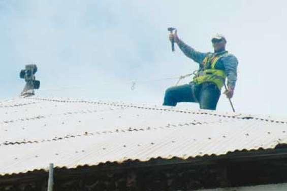 Le presbytère a un toit