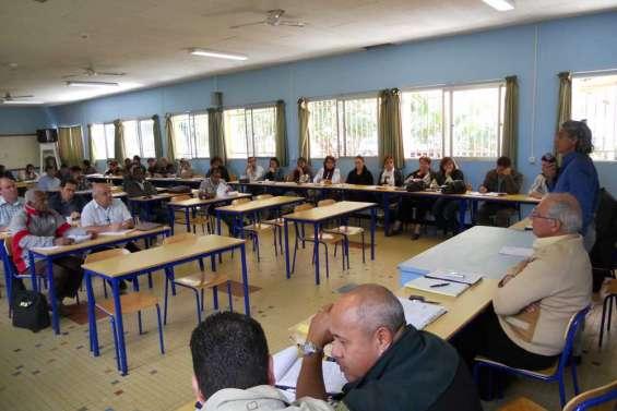 L'enseignement catholique  en réunion décentralisée