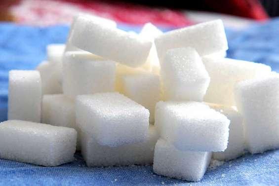 Le gouvernement adopte le projet d'une taxe sur le sucre