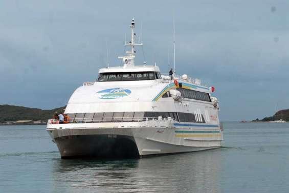 L'Aremiti 4 rentre à Tahiti