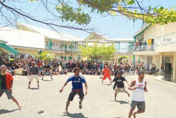 Le hip-hop de Résurrection au lycée