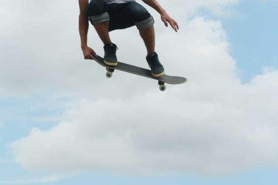 Skate et rodéo côte à côte