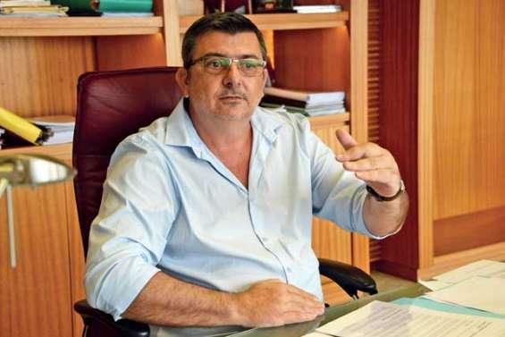 « Il n'y a pas d'urgence à décider tout de suite sur l'exportation de minerais »